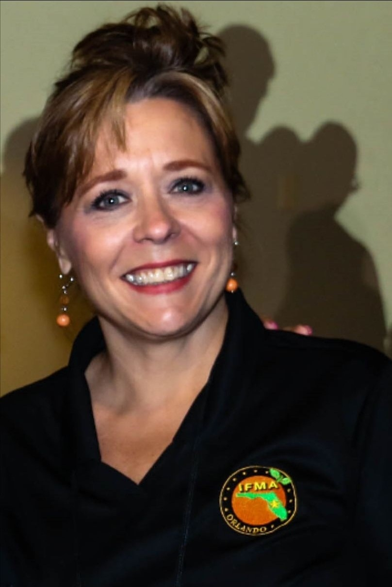 Picture of Lisa Cloud